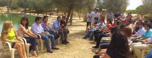 Dirigentes de NNGG del PP con Císcar. FOTO PPCV.COM