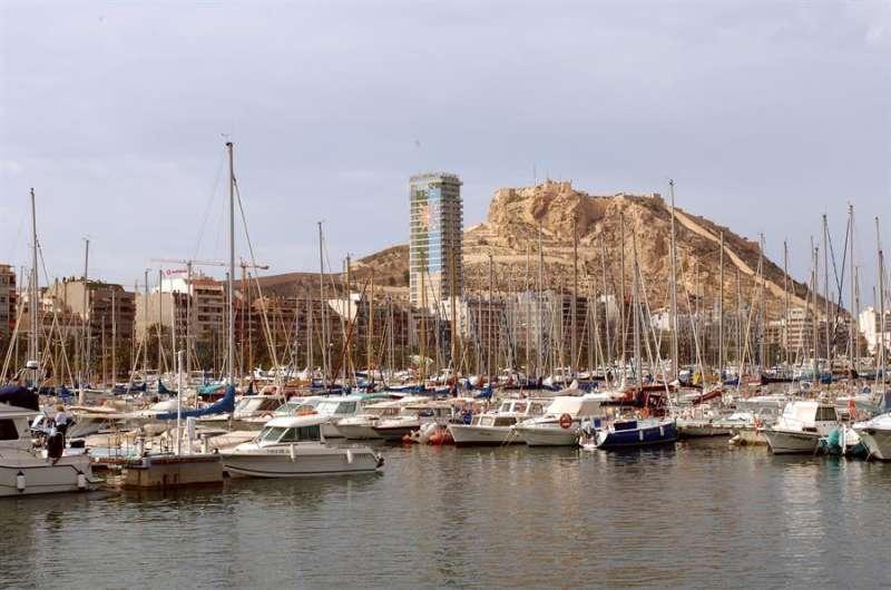 Vista del puerto deportivo de la ciudad de Alicante. Efe/Archivo