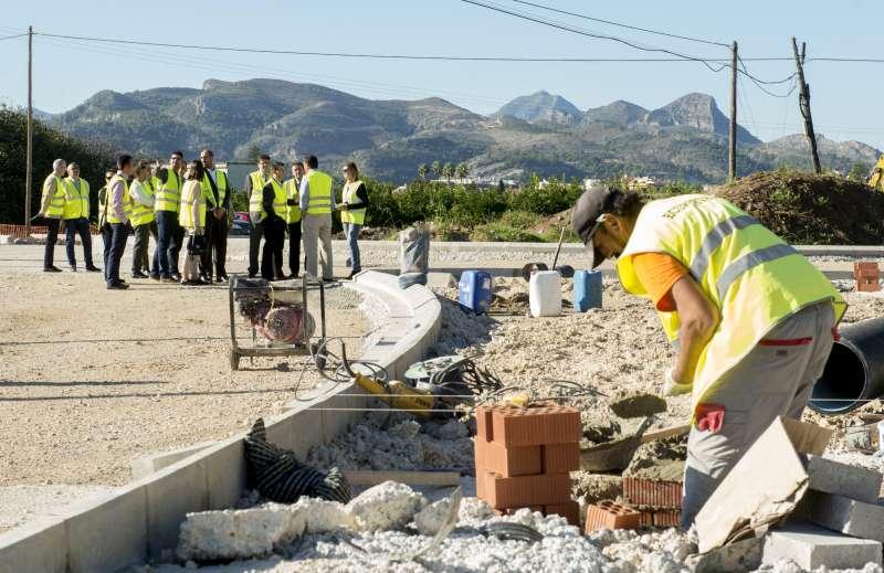 Visita obras carretera en Beniarjó