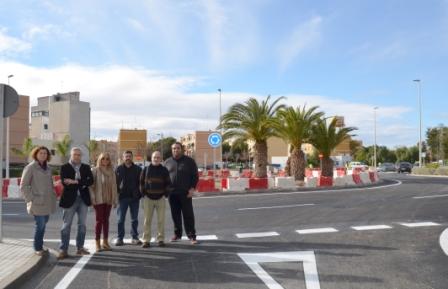 Los concelajes de Sagunto junto a la nueva rotonda. FOTO: EPDA
