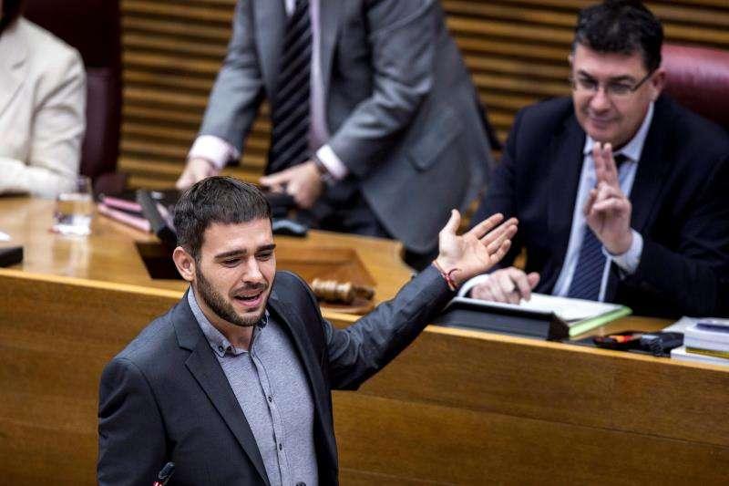 El portavoz del grupo parlamentario Compromís, Fran Ferri (i). EFE/Archivo