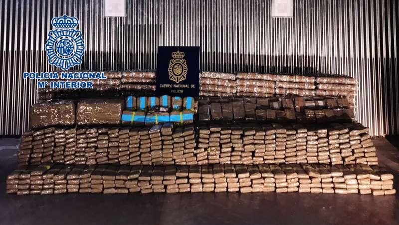 Imagen de la Policía Nacional de la droga inautada.