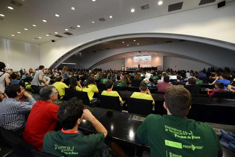 Una de las conferencias de astronomía celebrada en el Museu de las Ciències de Valencia