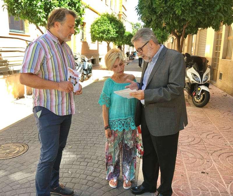 El alcalde de Albal a pie de calle. EPDA