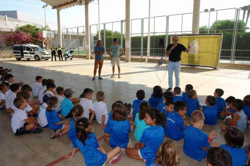 El Ayuntamiento de Benaguasil acerca los servicios de seguridad y emergencias a los niños