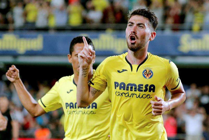 El jugador del Villarreal Moi Gómez celebra su gol ante el Real Madrid. EFE