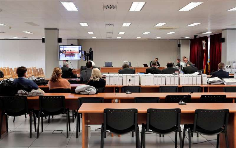 Momento del juicio en la Audiencia de Valencia por las supuestas irregularidades cometidas en la gestión del Palau de les Arts. EFE/Manuel Bruque/Archivo