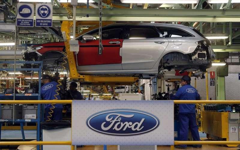 Cadena de montaje en la factoría de Ford en Almussafes. EFE/Archivo Kai Försterling