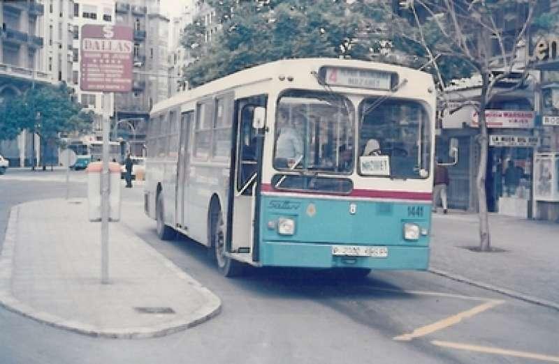 Vehículo de la EMT del año 1986. EPDA