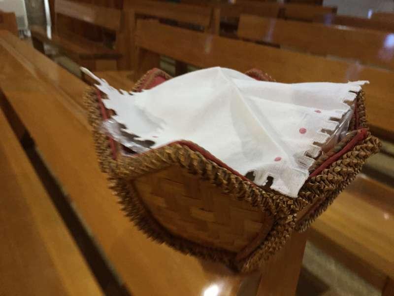 Panes cubiertos con una servilleta. / EPDA