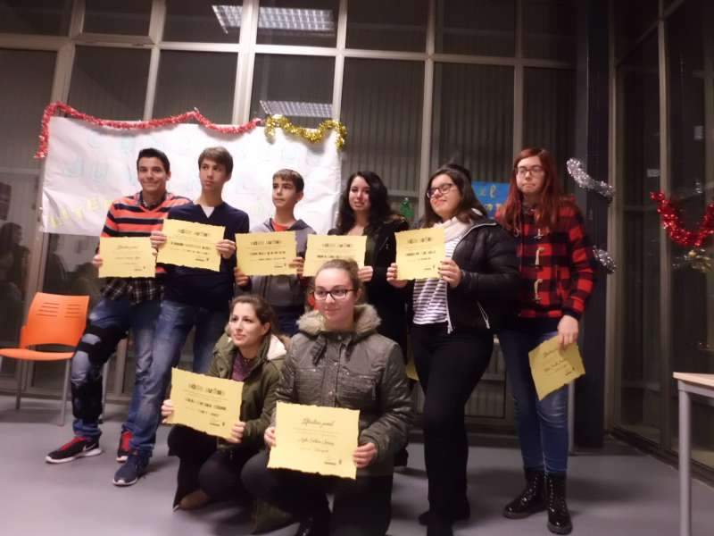 Los jóvenes ganadores de los concursos de Literatura y Cómic en Paterna. Foto EPDA