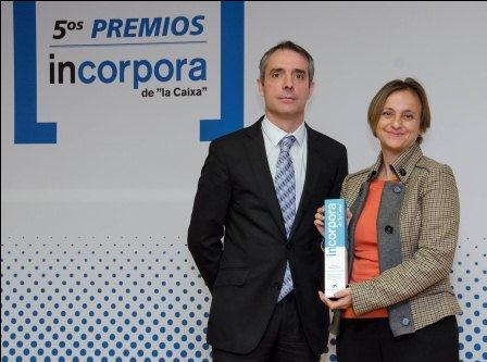 La directora de Recursos Humanos de SPB recoge el premio Incorpora como Gran Empresa. Foto: EPDA