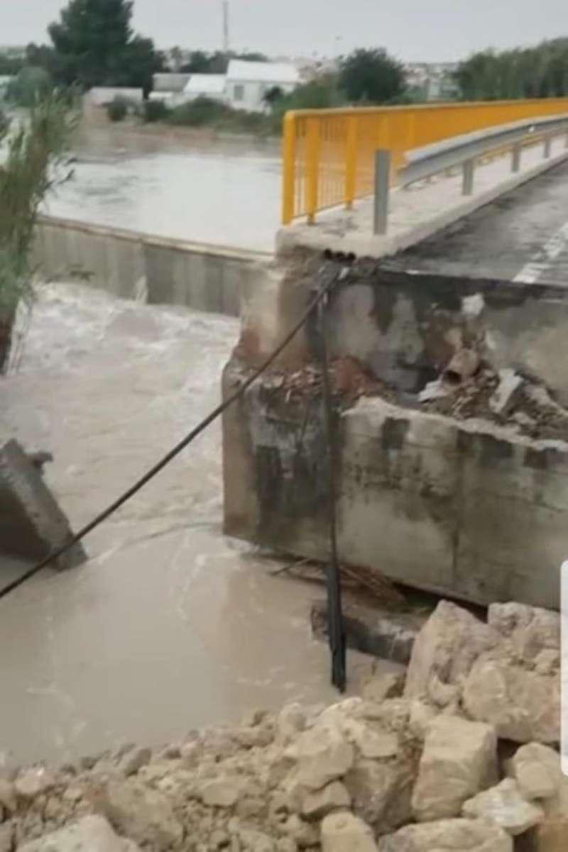 Imagen publicada por la CHJ en su cuenta de Twitter de la zona afectada. EFE