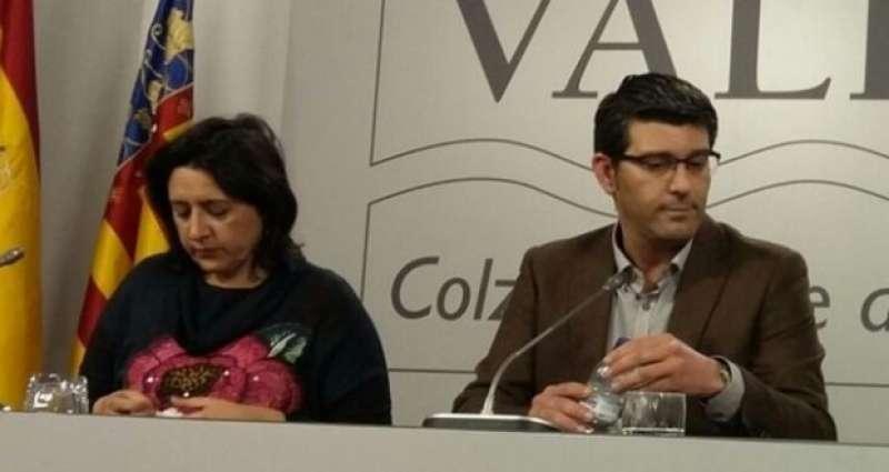 La diputada provincial d?Esquerra Unida i vocal del Consell d?Administració d?EGEVASA, Rosa Pérez Garijo amb el President de la Diputació de València