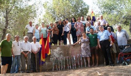 Homenaje en Paterna a las 13 Rosas. Foto EPDA