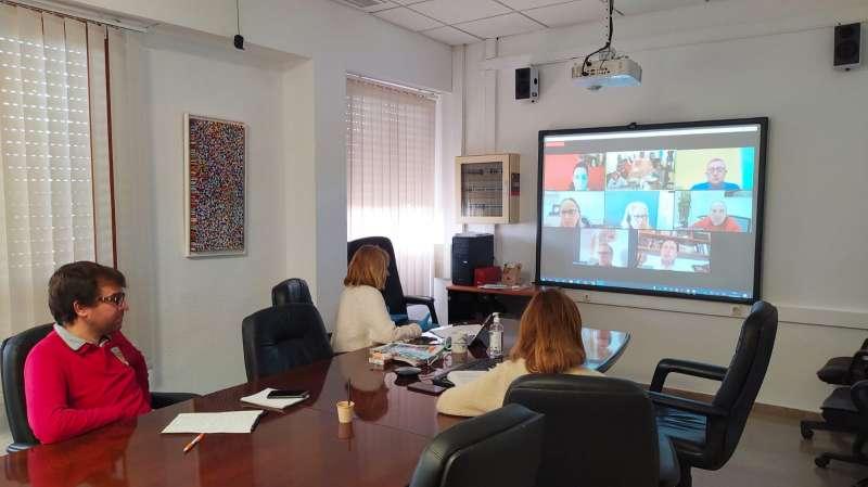 Reunión con comerciantes y empresarios por videoconferencia. / EPDA
