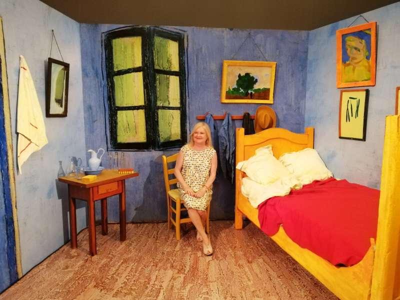 Carmen de Rosa en la exposición de Van Gogh. EPDA