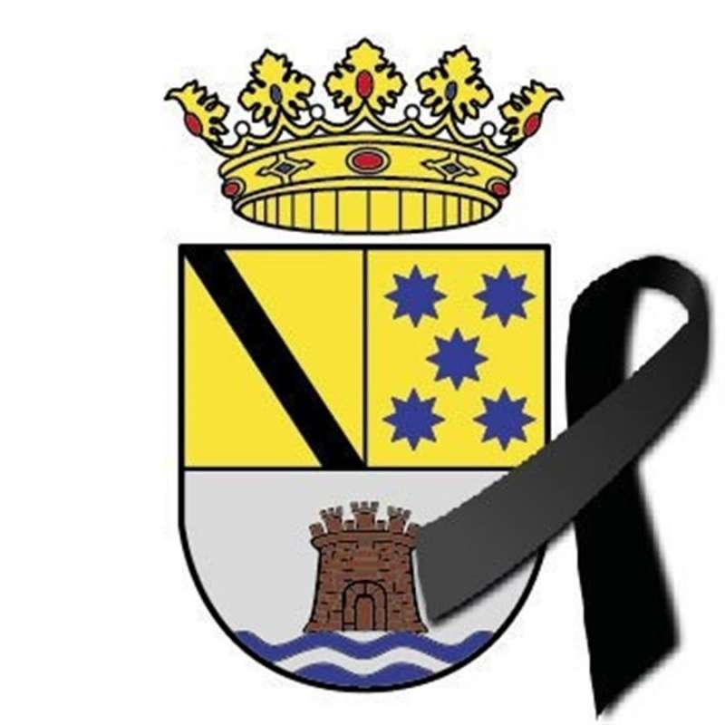 Imagen del escudo de Dénia con un lazo negro difundida por el Ayuntamiento.