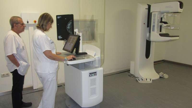 Los especialistas estiman que el mamógrafo prestará servicio a 300 mujeres al mes.