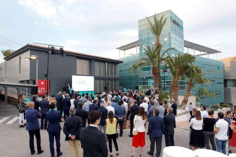 Asistentes a la inauguración del Hospital Quirón Salud de Alicante. EFE