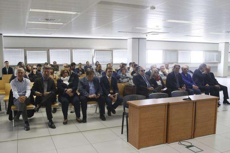 Una imagen general del banquillo de los acusados en las primeras sesiones del juicio. EFE