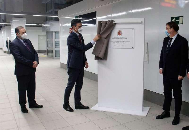 Sánchez inaugura la estación