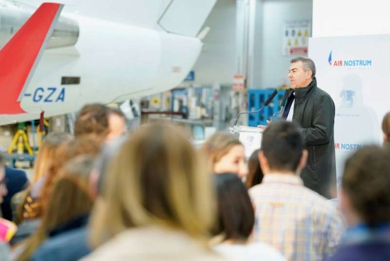 Carlos Bertomeu durante la presentación hoy del vídeo de felicitación navideña de la compañía.