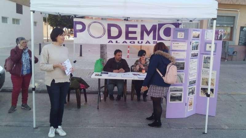 Membres de Podem Alaquàs en un dels seus actes
