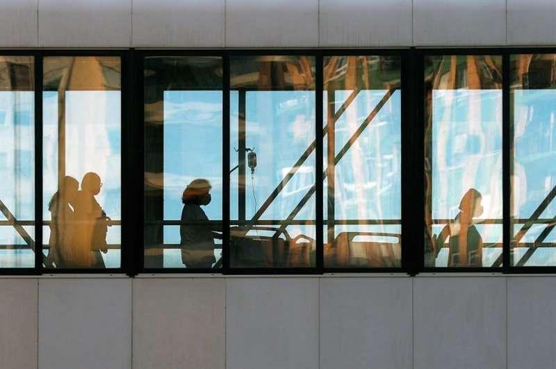 Imagen de una de las salas del Hospital Clínico de València.EFE/ Kai Försterling/Archivo