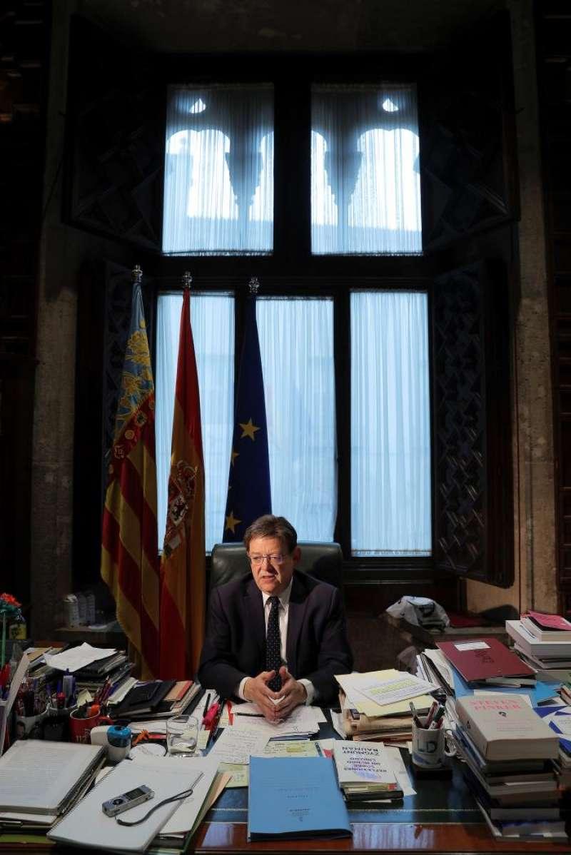 El president de la Generalitat y candidato socialista a la reelección, Ximo Puig, en un momento de la entrevista con EFE.