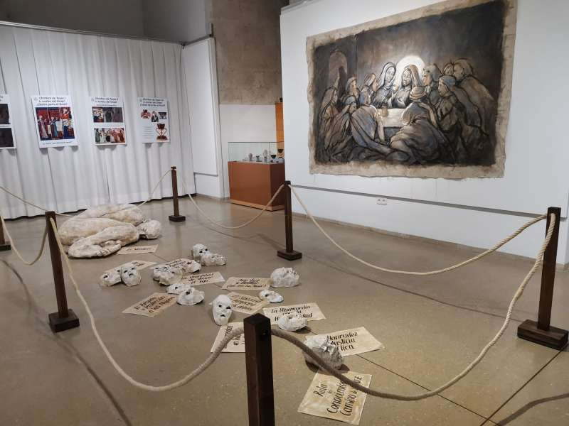 Primicia mundial en la exposición de la Dra. María Gómez en el MAOVA de Ontinyent