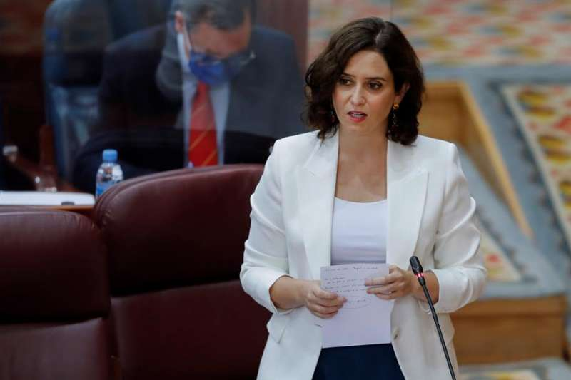 La presidenta regional, Isabel Díaz-Ayuso, durante su intervención en el pleno de la Asamblea de Madrid. EFE