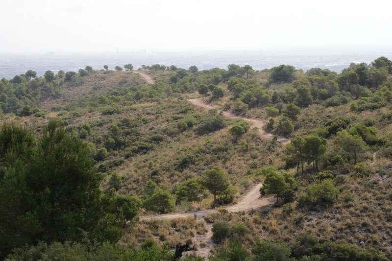 Acceso al paraje natural de la Serra Perenxisa de Torrent. EPDA