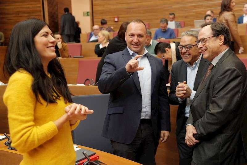 El síndic socialista, Manolo Mata, el conseller de Hacienda, Vicent Soler, el vicepresidente segundo, Rubén Martínez Dalmau, y la síndica de Unides Podem, Naiara Davó. EFE
