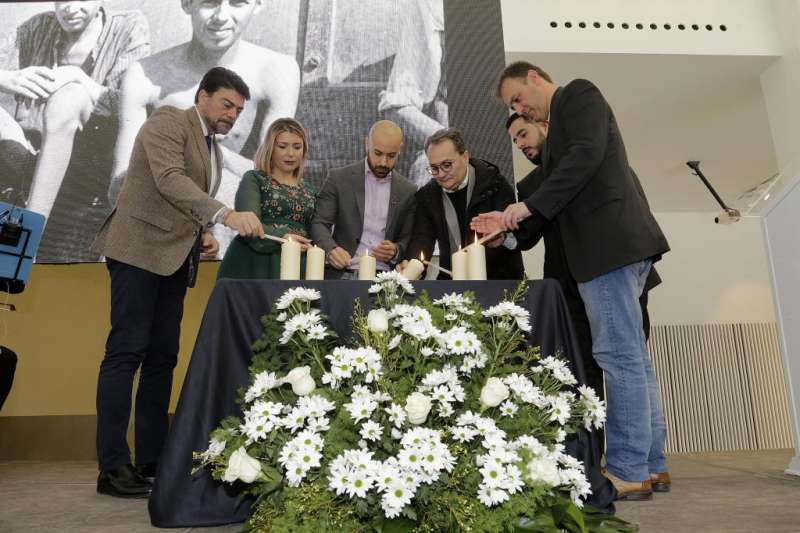Acto de Homenaje a las víctimas del Holocausto. EPDA