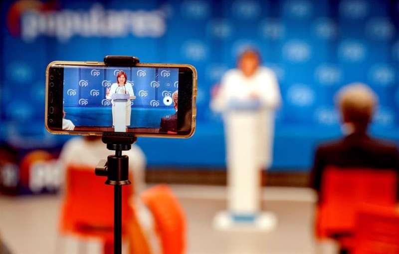 La presidenta del PPCV, Isabel Bonig, comparece en rueda de prensa para abordar distintos asuntos de actualidad política. EFE
