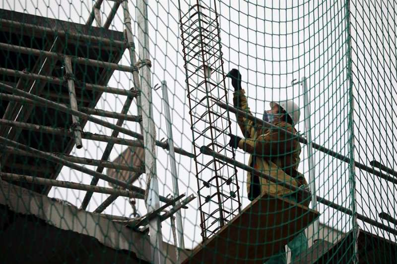 Trabajadores de la construcción en una obra. EFE/ Ana Escobar/Archivo