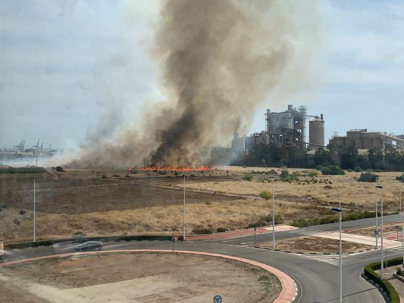 El incendio a las 14.57 horas. P. V.