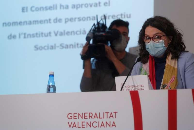 La vicepresidenta y portavoz del Gobierno valenciano, Mónica Oltra, durante la rueda de prensa posterior el Pleno del Consell semanal. EFE/Kai Försterling