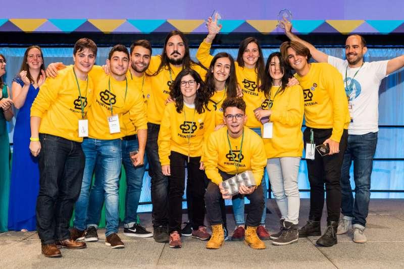 El equipo ganador de la IGEM de Boston celebrando el gran éxito  en una gran competición de nivel internacional./ epda