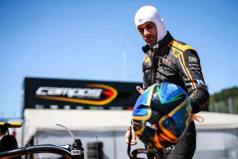 Guilherme Samaia se prepara para competir, imagen facilitada por la escudería Campos Racing. EFE