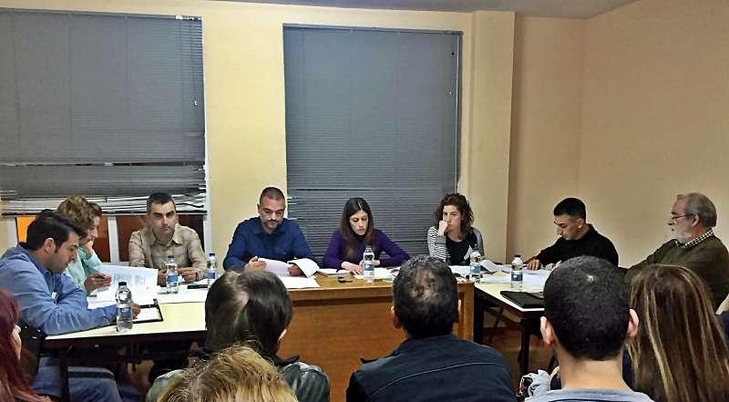Una sesión plenaria del Ayuntamiento de Navajas