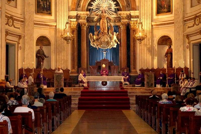 Funeral por los fallecidos en la Catedral