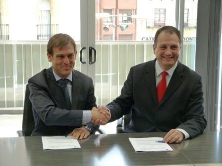 El director general de Energía, Antonio Cejalvo, y el alcalde de Onda, Salvador Aguilella. Foto EPDA