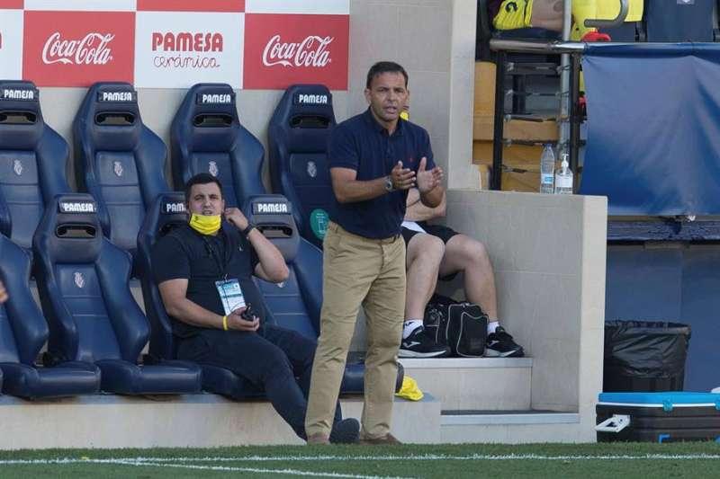 El entrenador del Villarreal, Javier Calleja, durante un partido reciente de su equipo. EFE/Archivo