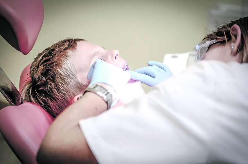 Imagen de archivo de un dentista. EPDA