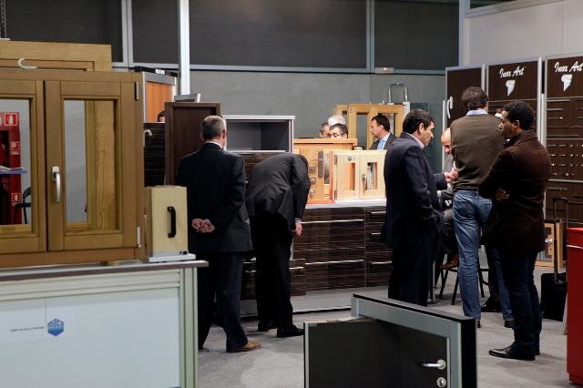 Imagen de expositores y visitantes a la Feria en ediciones anteriores.