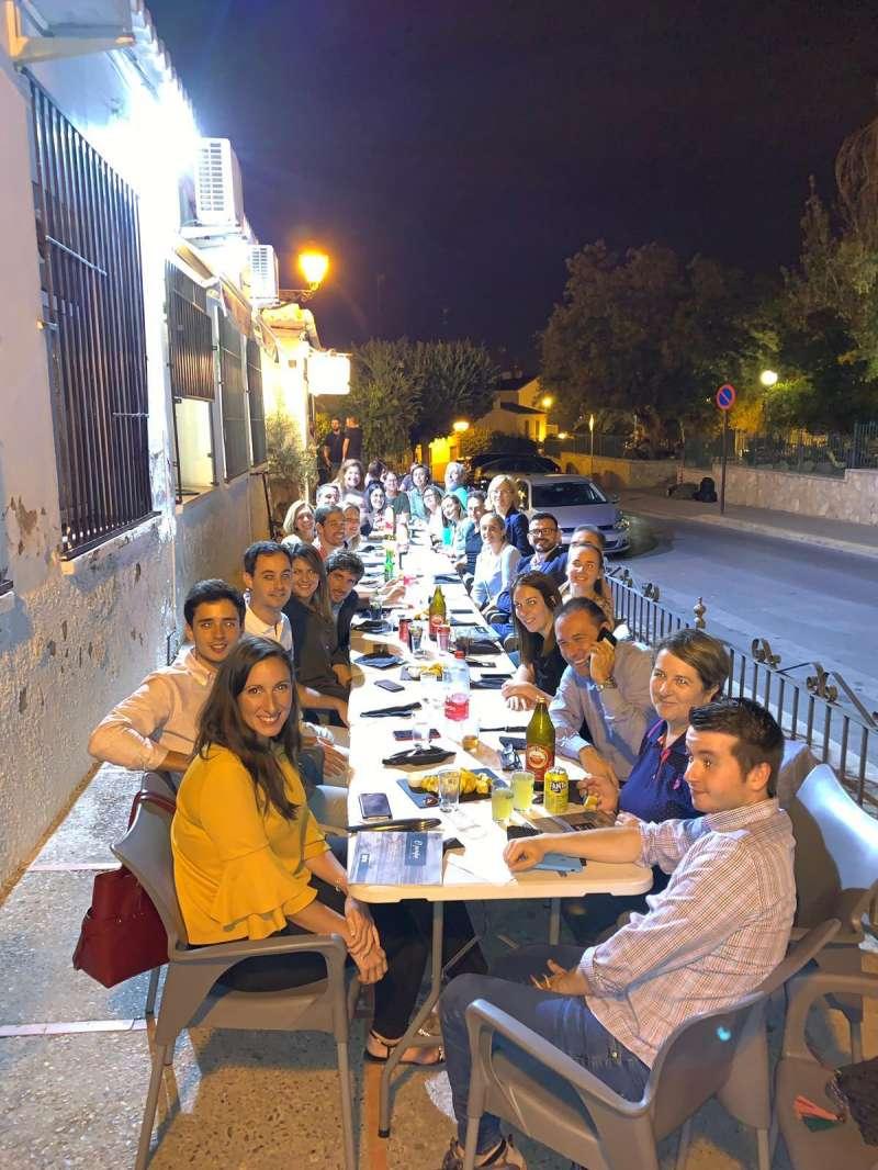 Cena tras la reunión. EPDA