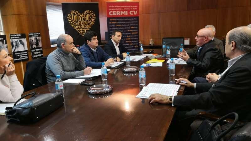 Foto reunión con CERMI