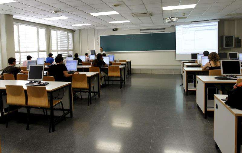 Interior de un aula de la Universidad Politécnica de Valencia. EFE/Archivo